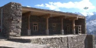 Tarihi Camiye Sahip Çıktılar