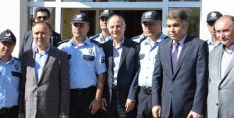 Erzurum'da Polislerle Bayramlaştı
