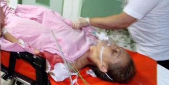 Cinnet Geçiren Anne İki Kızını Öldürdü