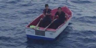 Gençleri Sahil Güvenlik Kurtardı