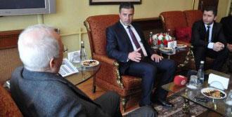 'Türkiye Cumhuriyeti Bizim Anamızdır'