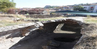 Kütahya'da Tarihi Yapıtlar Bulundu