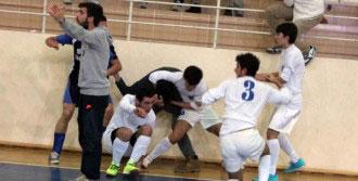 Futbol Turnuvasında Liseliler Birbirine Girdi