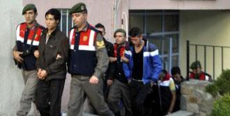Afgan Kaçaklar Türk Balıkçıları Yaraladı