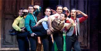 Broadway Müzikali Sahnelendi
