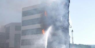 Üniversitesi'nde Yangın