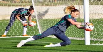 A Milli Kadın Futbol Takımı Kampa Girdi
