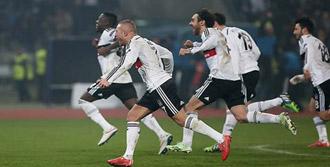 Beşiktaş Zorlu Rövanş Maçında!
