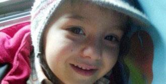 Otomobilin Altında Kalan 3 Yaşındaki Samet Öldü