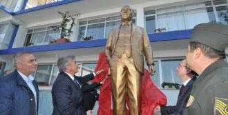 Güzelbahçe'de Atatürk'e Anıtlı Anma