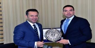 ABD Konsolosu Diyarbakır'da