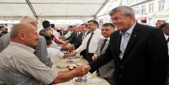 Adalet Bakanı Rize'de Halka Bayramlaştı