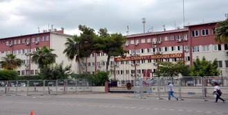 Adana Emniyet'ine Demir Bariyerli Önlem