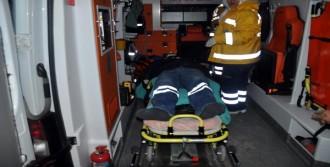 Adana'da İşçi Servisi Buzda Kaydı; 15 Yaralı