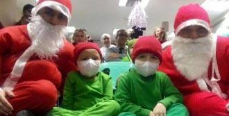 Lösemili Çocuklara Hastanede Erken Yılbaşı