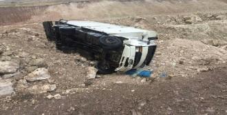 Afyonkarahisar'da Kaza: 2'si Asker 4 Yaralı