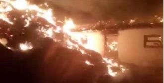 Ağılda Başlayan Yangın 2 Eve Sıçradı