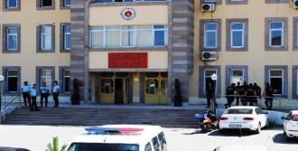 PKK'ya Destek Sağlayan 5 Kişi Tutuklandı