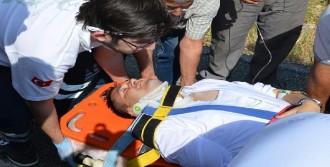 Ak Parti Milletvekili Adayı Kazada Yaralandı