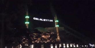 Camideki Mahyaya Adını Yazdırdı
