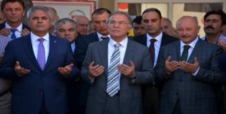 'Hac Organizasyonunu Türkiye'ye Versinler'