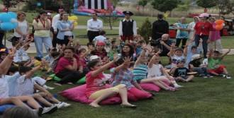 Akbank'ta 'Çocuklu Mesai' Günü