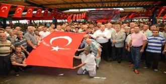 Akhisarlı Pazarcılardan Terör Protestosu