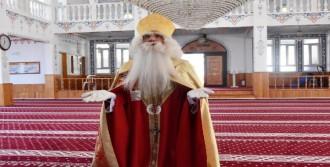 Noel Baba, Dua Edip Barış Diledi