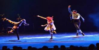Anadolu Dansları İle Break Dansa İzmir'de İlgi