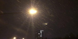 Anadolu Yakası'nda Kar Etkili Oluyor