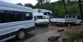 Andırın'da Sağanak Yağış Ulaşımı Aksattı