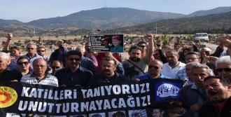 Ankara Saldırısında Hayatını Kaybedenler İzmir'de Anıldı