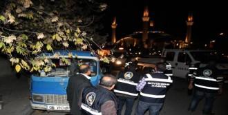 Ankara'da Seyyar Tezgahlara El Konuldu
