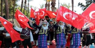 Antalya'da Coşkulu Kutlama