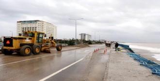 Antalya'da Fırtınanın Etkisi Sürüyor