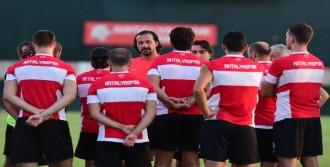 Antalyaspor'a Baklava Morali