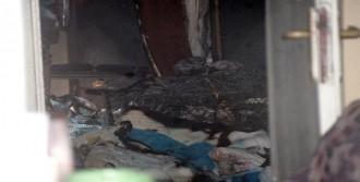 Apartmanda Çıkan Yangında 8 Kişi Hastaneye Kaldırıldı