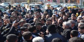 Konya-Ankara Yolunu Ulaşıma Kapattılar