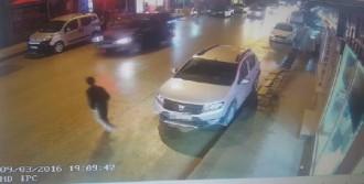 Aracıyla Çarptığı Çocuğu Hastaneye Götürdü