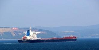 Arızalanan Gemi Boğazdan 10 Gün Sonra Ayrılabildi