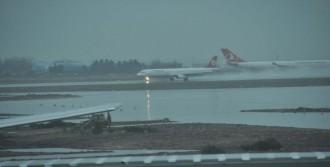 Uçaklar Pas Geçti