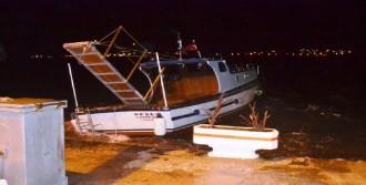 Ayvalık'ta Fırtına Tekneleri Batırdı