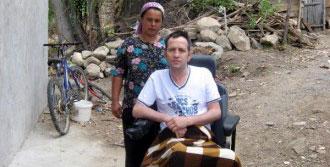 Eşi Ölünce Biri Engelli İki Çocuğuyla Kaldı