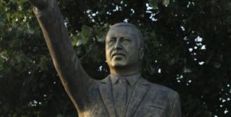 Erdoğan'ın 4 Metrelik Heykelini Yaptı