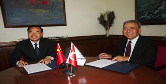 Çin İzmir'le 'Kardeş' Oldu