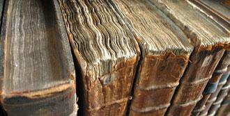 Tarihi Kitaplar Sahaflara Satılmış!