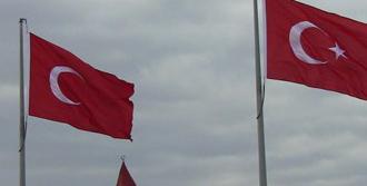 Yıldızsız Bayrak İçin Dava