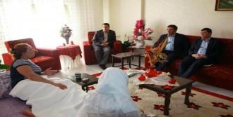 Bakan Yılmaz'dan, Dha Muhabiri Canan Altıntaş'a Geçmiş Olsun Ziyareti