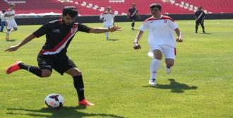 Balıkesirsporlu Futbolcular Engellilerle Oynadı