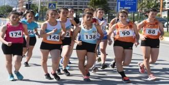 Balkan Şampiyonası İçin Yürüdüler